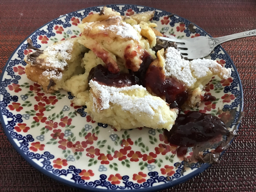 A plated Kaiserschmarrn with jam.